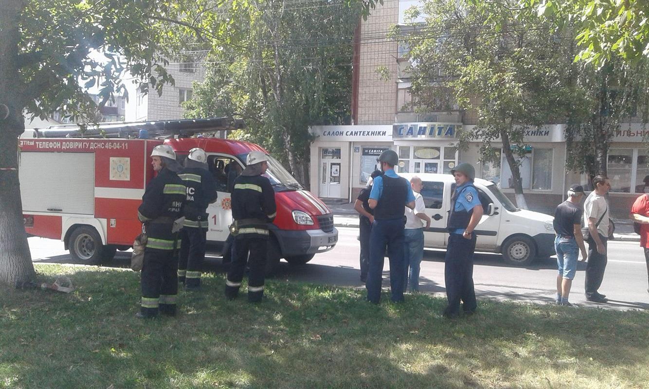 У Вінниці вибухотехніки перекрили вул. 600-річчя через підозрілу сумку - фото 1