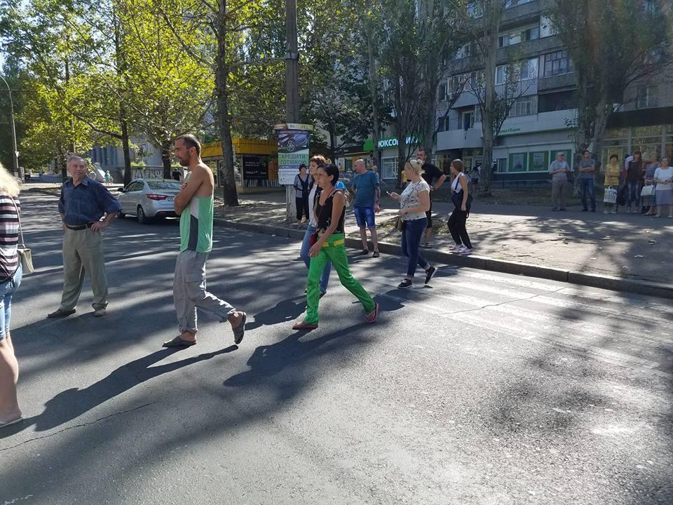 У Миколаєві торгаші перекрили проспект Центральний - фото 2