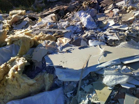 Як столичну Троєщину перетворюють на полігон небезпечних відходів  - фото 1