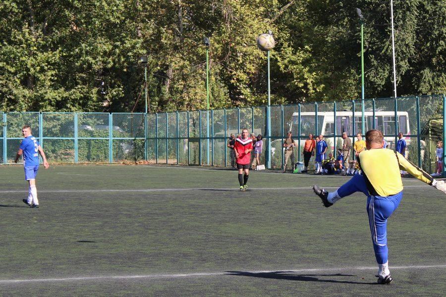 Миколаївська 79-ка зійшлася в футбольному матчі з морпіхами
