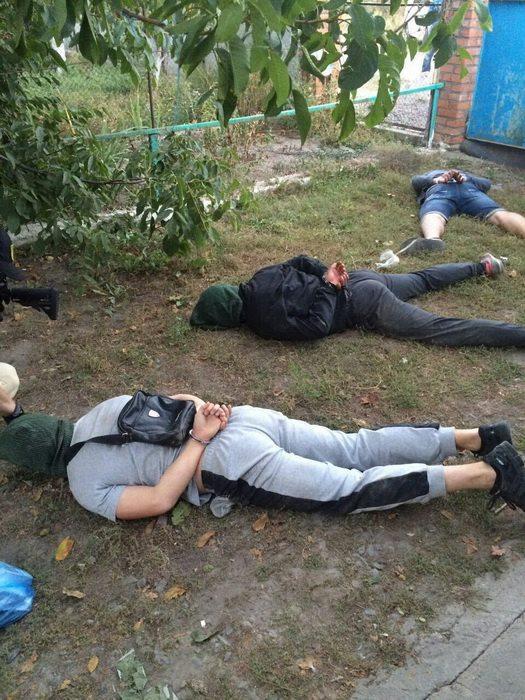 """На Вінниччині озброєні спортсмени влаштували """"бандитські 90-ті"""" - фото 2"""