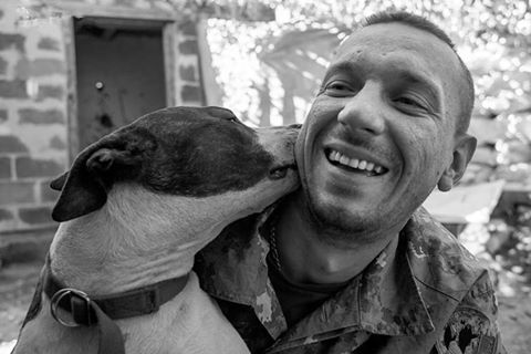 Чим займаються на Донбасі найкращі друзі бійців АТО - 7 - фото 8