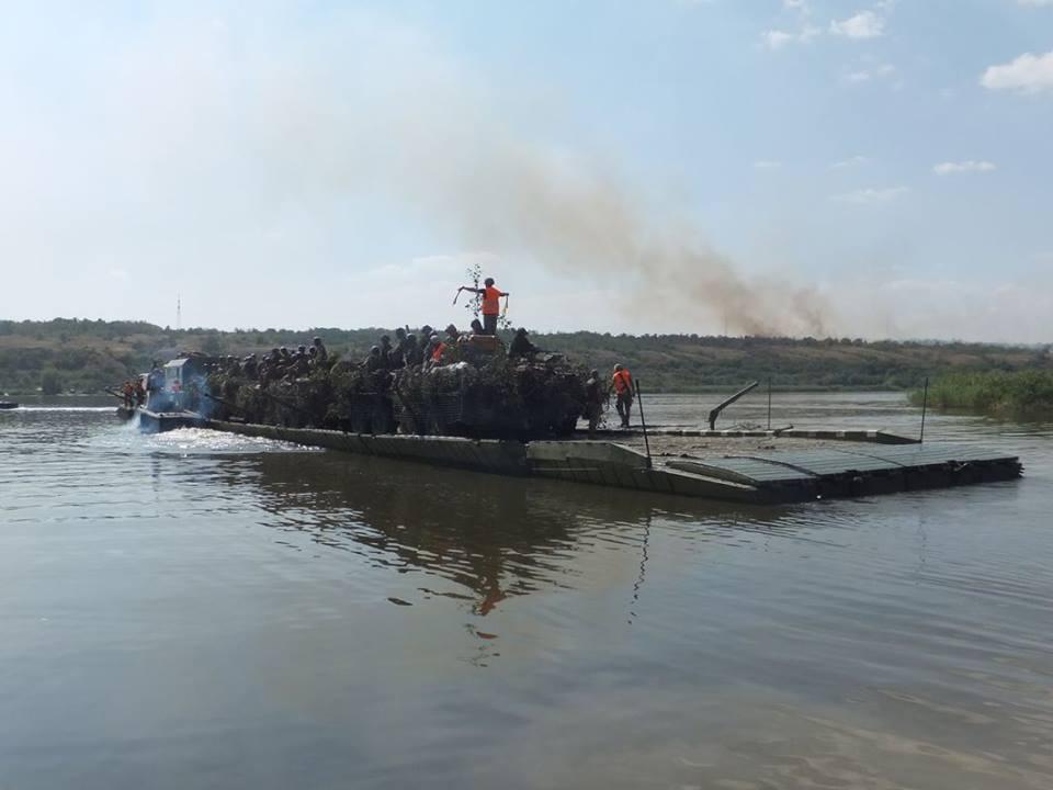 Миколаївська 79-ка провела навчання з бойовою стрільбою