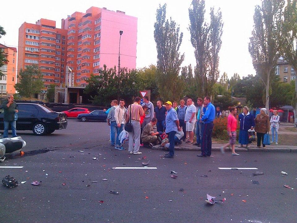 У Миколаєві біля місця смертельного ДТП з дорожниками травмувався мотоциклістУ Миколаєві біля місця смертельного ДТП з дорожниками травмувався мотоцикліст