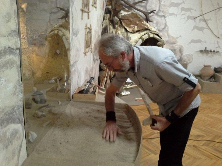 Хмельничани мають можливість посидіти у вігвамі та відкопати скарб давнини  - фото 3