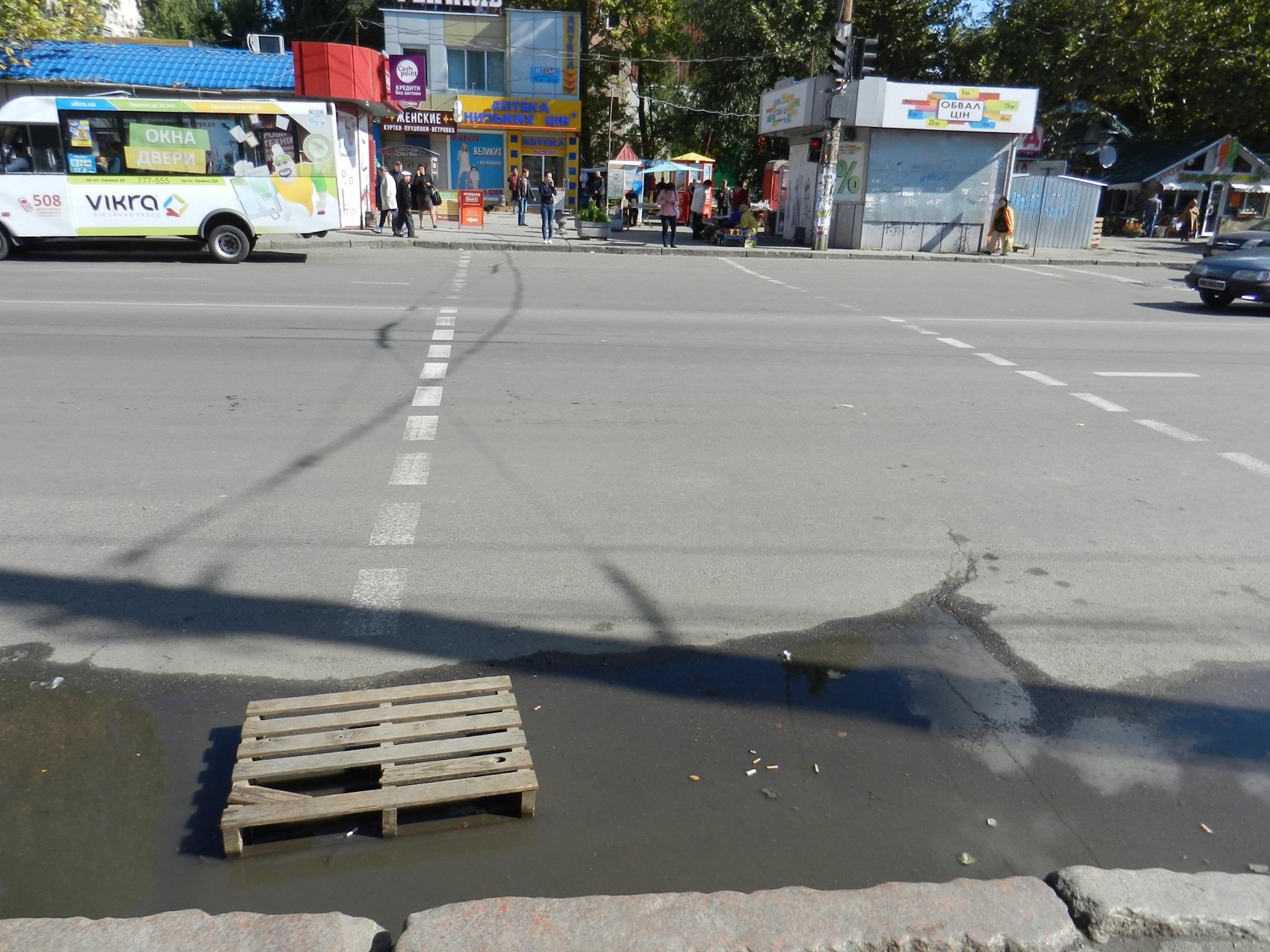 В районі залізничного вокзалу у Миколаєві майже не працюють зливостоки