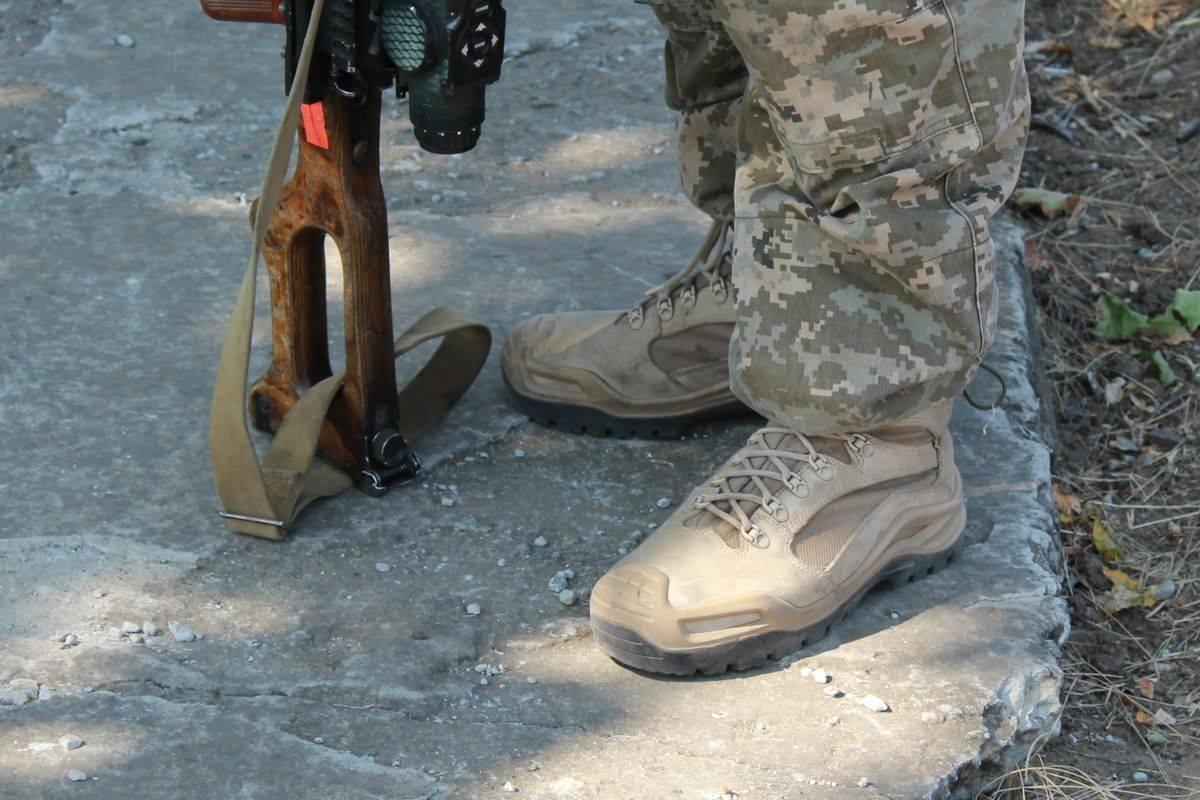 Миколаївська 79-ка протестувала бойові черевики