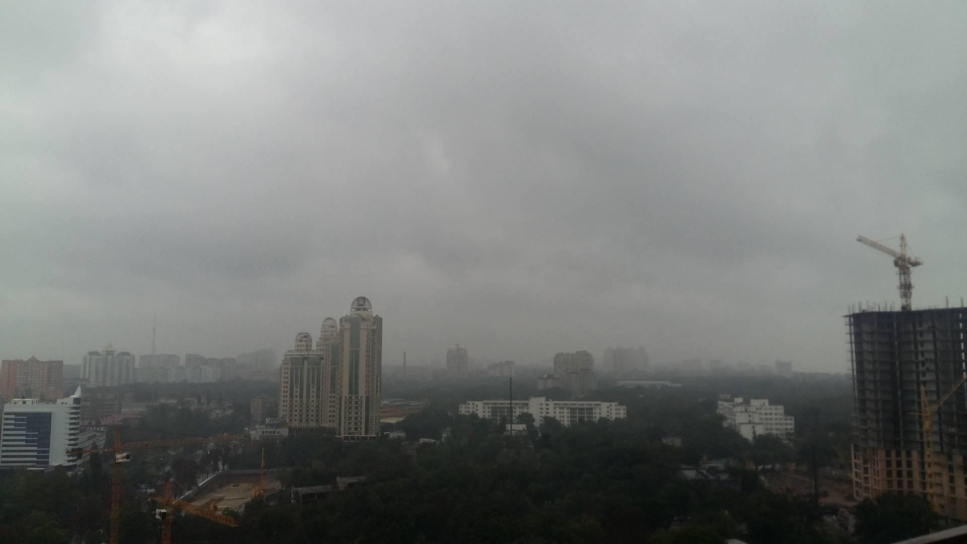 Одеська Аркадія посеред дощового апокаліпсису: злива не вщухає (ФОТО, ВІДЕО) - фото 2