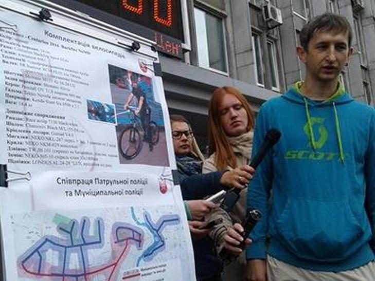 Вінницькі копи патрулюватимуть місто на велосипедах - фото 1