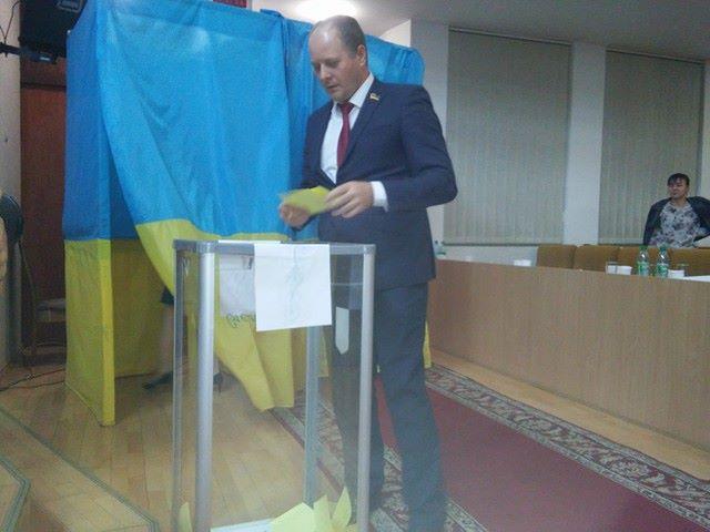 Зміна влади: Соколова зняли з посади заступника голови Миколаївської облради - фото 3