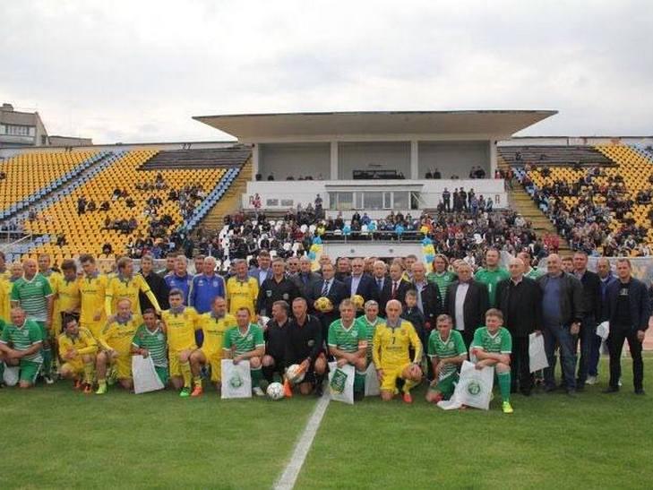 На вінницькому стадіоні грали легендарні футболісти - фото 1