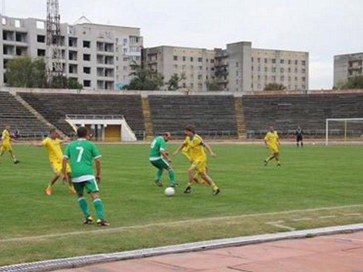 На вінницькому стадіоні грали легендарні футболісти - фото 2