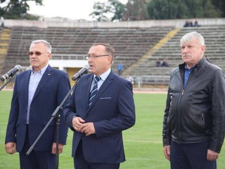 На вінницькому стадіоні грали легендарні футболісти - фото 4