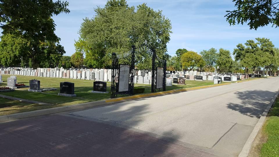 Депутат-емігрант присоромив миколаївських комунальників за єврейське кладовище - фото 4