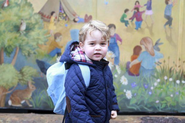 Принц Джордж пішов до дитячого садочку  - фото 1
