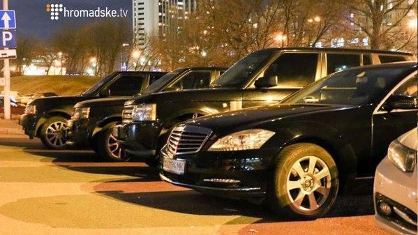 """Учасники форуму Саакашвілі приїжджали на """"антикорупційних"""" автомобілях (ФОТО) - фото 2"""