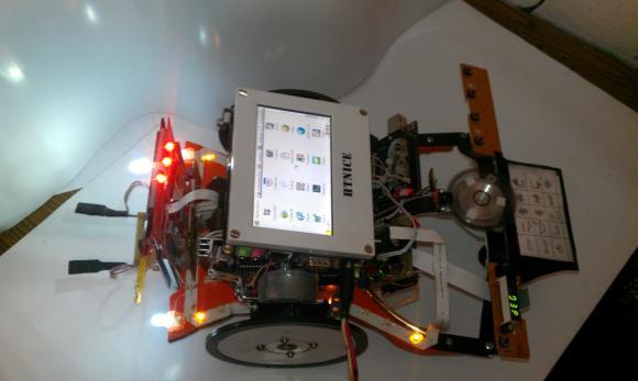 Вінницький винахідник створив робота, який подаватиме ліки важкохворим - фото 2