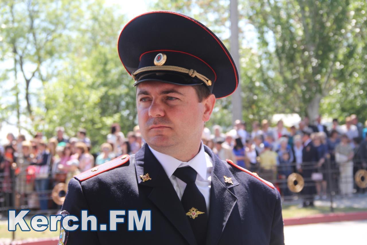 Побєдобєсіє в зеніті: В окупованому Криму дітей на 9 травня нарядили церквами - фото 1