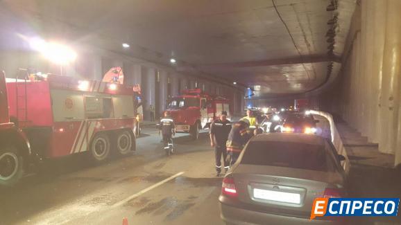 Авто посольства Азербайджану потрапило в ДТП у Києві - фото 3