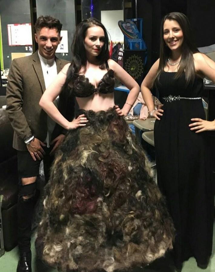 Епатажна дизайнерка пошила плаття з лобкового волосся незнайомців - фото 4