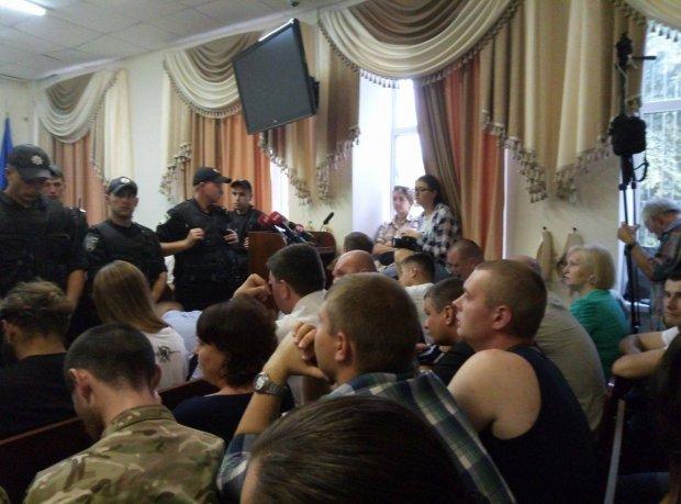 У київському суді почалися сутички  - фото 2