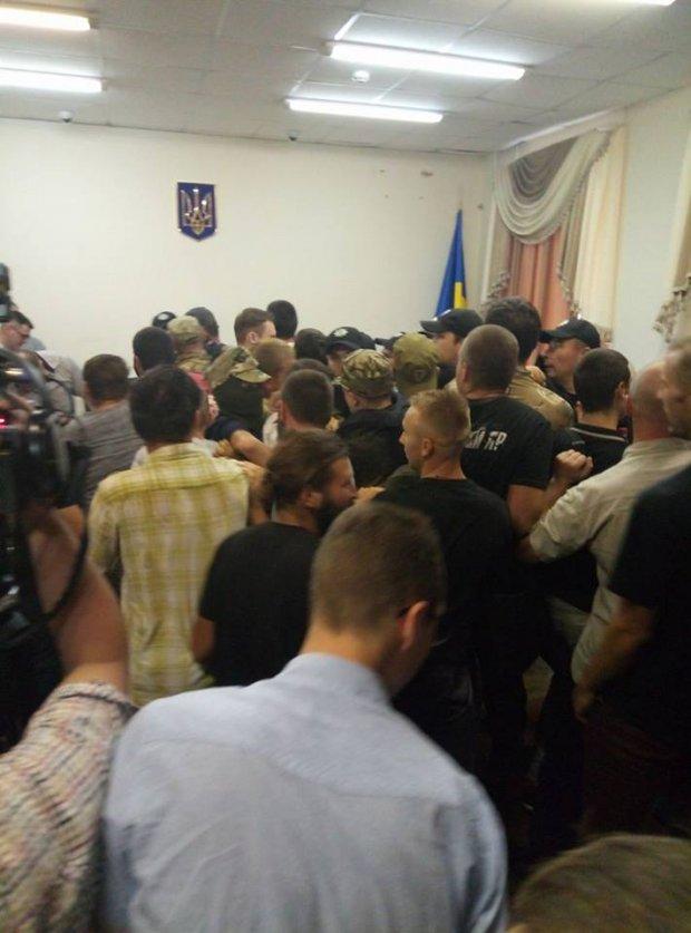 У київському суді почалися сутички  - фото 1