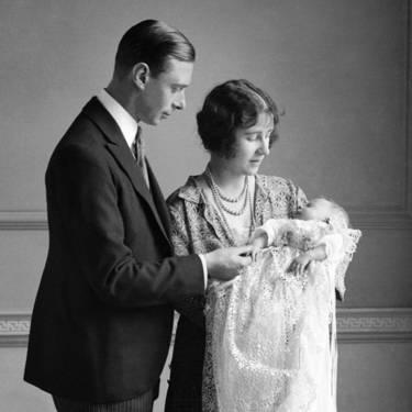 Як старіє Єлизавета ІІ: найяскравіші фото від дитинства і до сьогодні  - фото 1