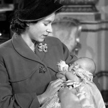 Як старіє Єлизавета ІІ: найяскравіші фото від дитинства і до сьогодні  - фото 12