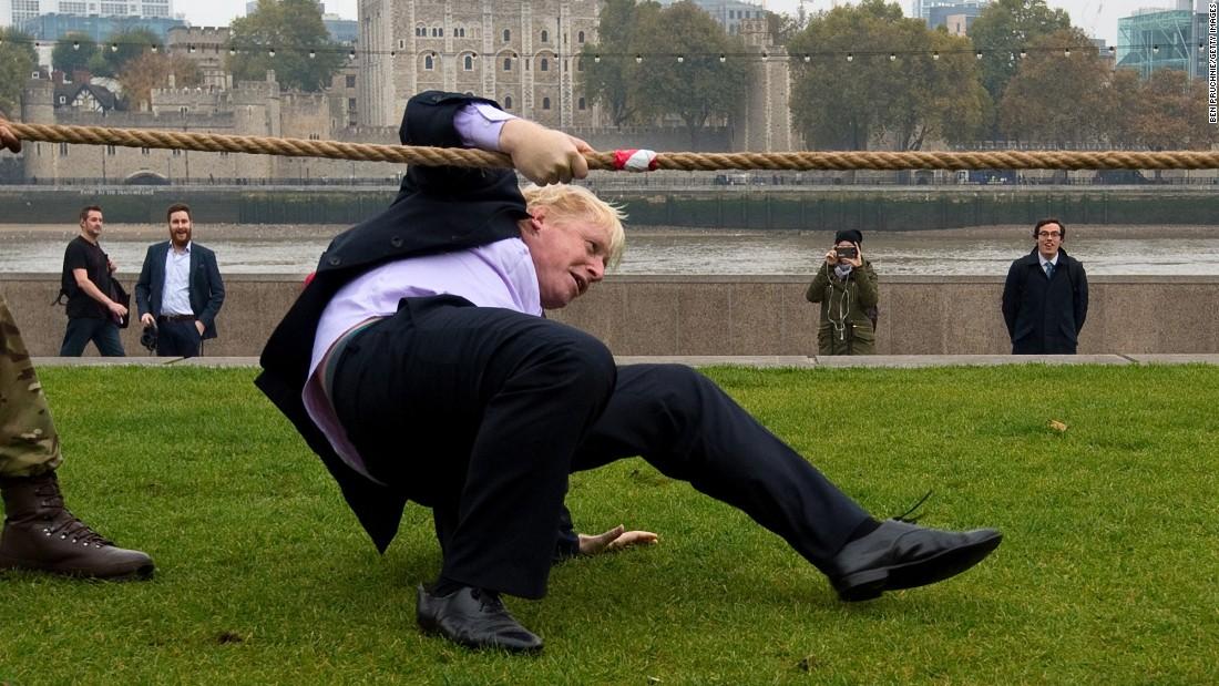 """Чим знаменитий """"ватний"""" міністр закордонних справ Великої Британії - фото 1"""