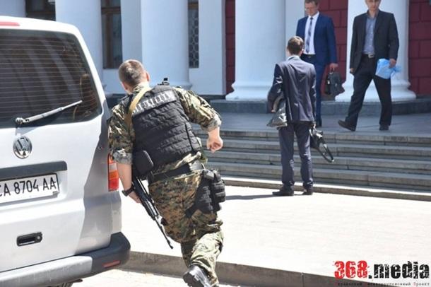 Силовики проводять обшуки в мерії Одеси, – ЗМІ (ФОТО) - фото 2