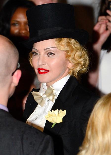 Яскраві тренди та цитати Мадонни - фото 7
