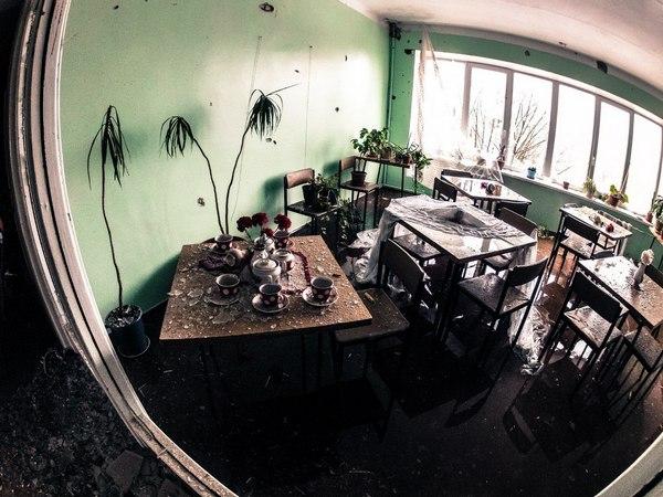 Опубліковані фото зруйнованої лікарні в Донецьку (ФОТОРЕПОРТАЖ) - фото 1