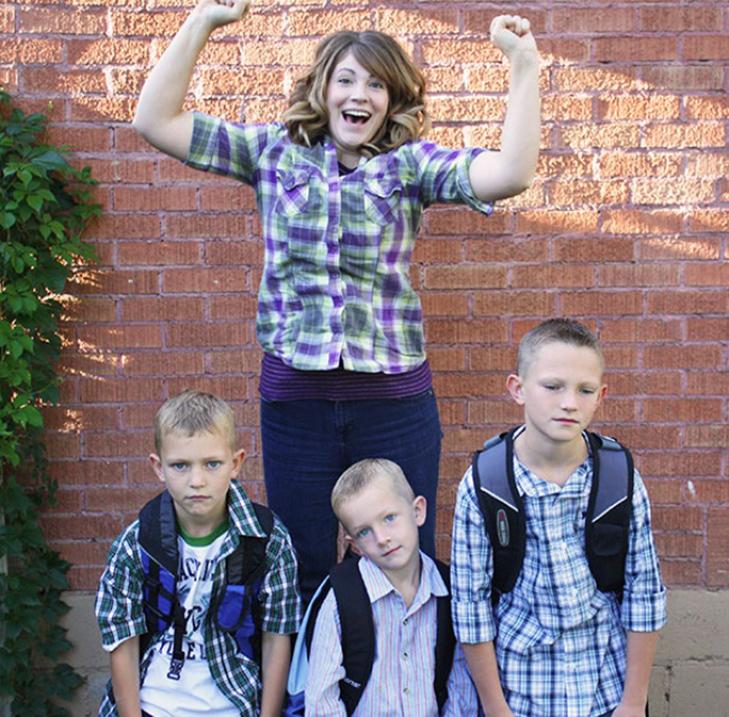 15 нестримно щасливих батьків, які, нарешті, відправляють дітей до школи - фото 14