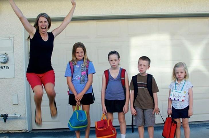 15 нестримно щасливих батьків, які, нарешті, відправляють дітей до школи - фото 7