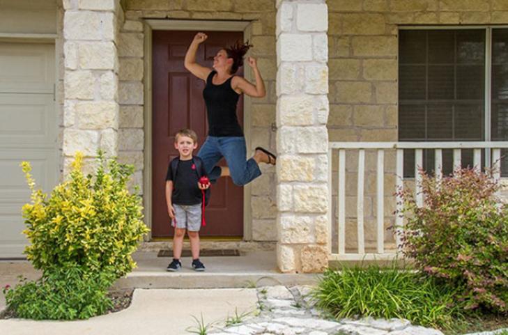 15 нестримно щасливих батьків, які, нарешті, відправляють дітей до школи - фото 11