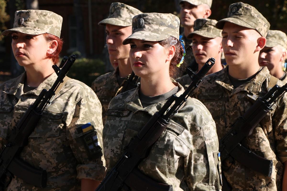 У Миколаєві 68 контрактників присягнули на вірність України