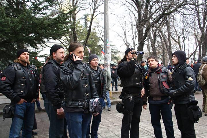 Хроніки окупації Криму: російські війська пішли в наступ - фото 13
