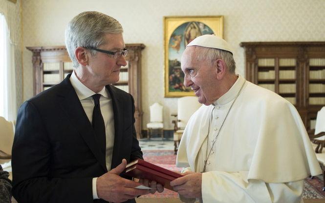 Папа Франциск вважає, що Інтернет та соцмережі - дар Божий - фото 1