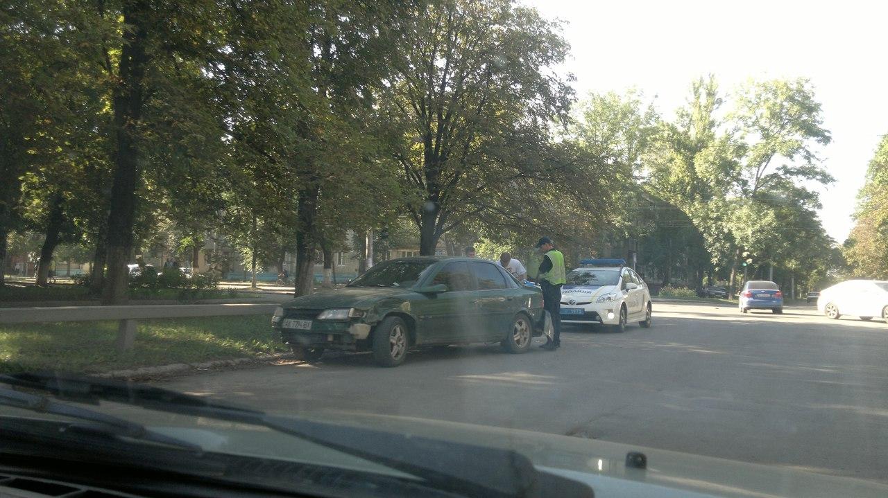 На ХТЗ не розминулися три автівки - фото 2