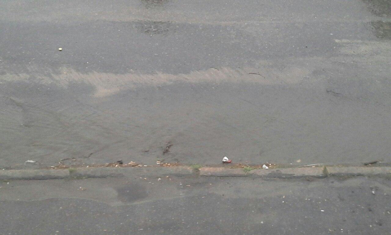 Центр Миколаєва знову затопило через дощ