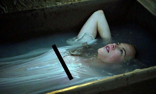 Ніколь Кідман оголила груди - фото 2
