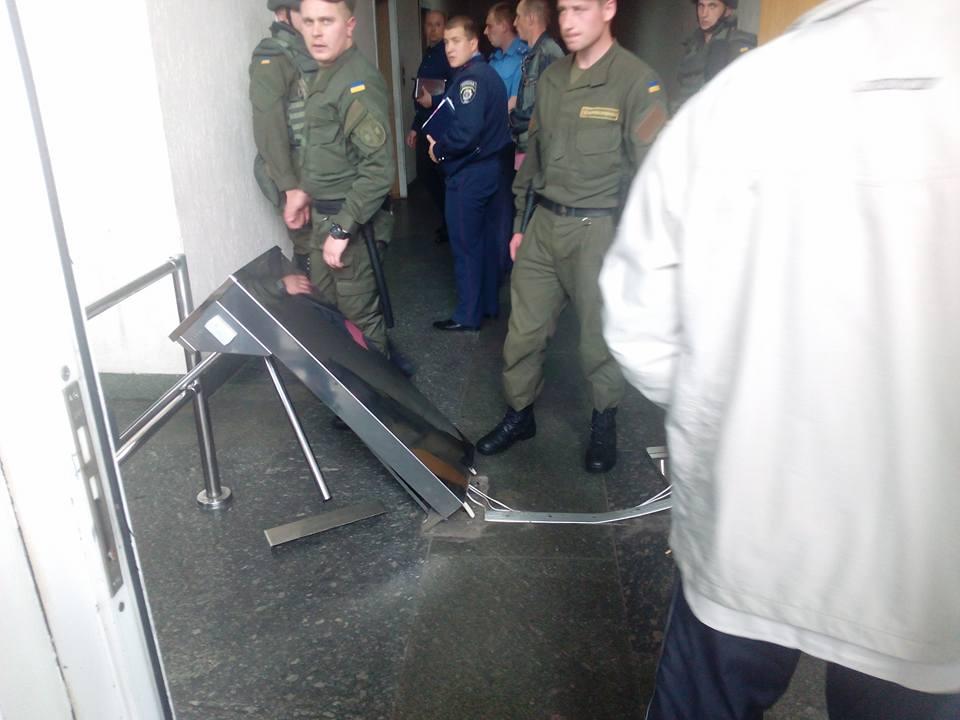 Переселенці з Донбасу атакують Мінсоцполітики - фото 2