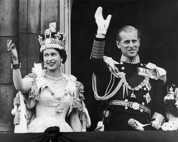 Як старіє Єлизавета ІІ: найяскравіші фото від дитинства і до сьогодні  - фото 8