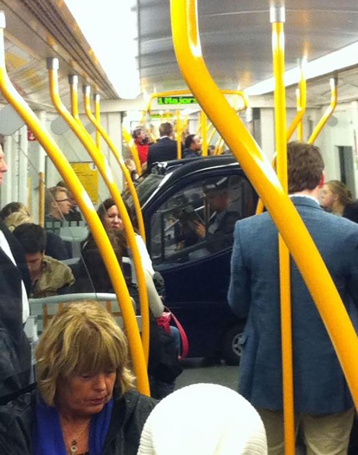 35 неймовірних диваків у метро - фото 20