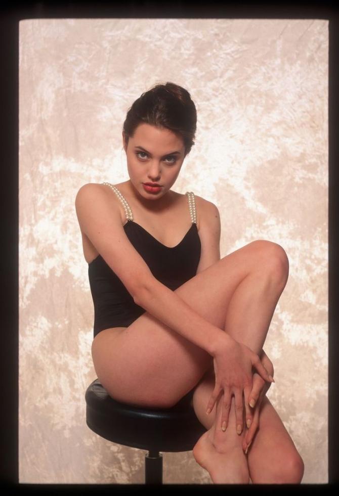Кожній країні по Анджеліні: Як виглядають двійники Анджеліни Джолі - фото 11
