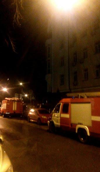 У Києві горить Головне слідче управління ГПУ, - ЗМІ - фото 2