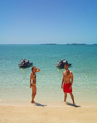 Тейлор Свіфт і Кельвін Харріс показали сексуальні фото з островів - фото 2