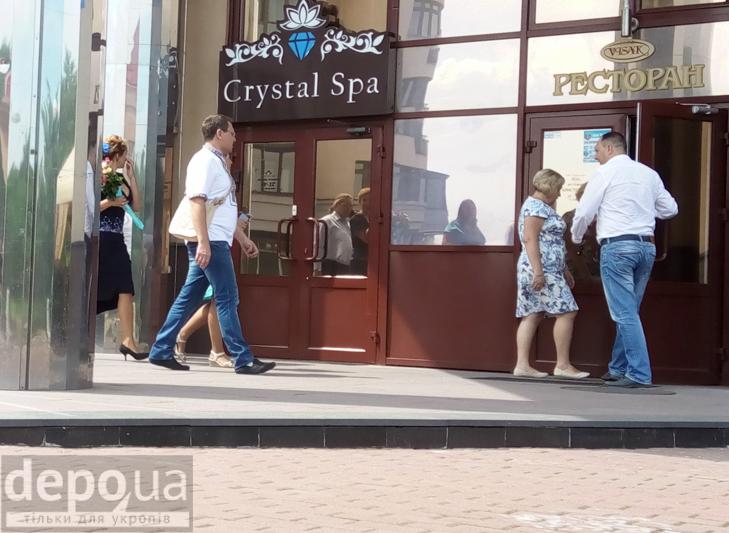 Чи досі салон краси на Оболоні належить коханці Януковича? - фото 13