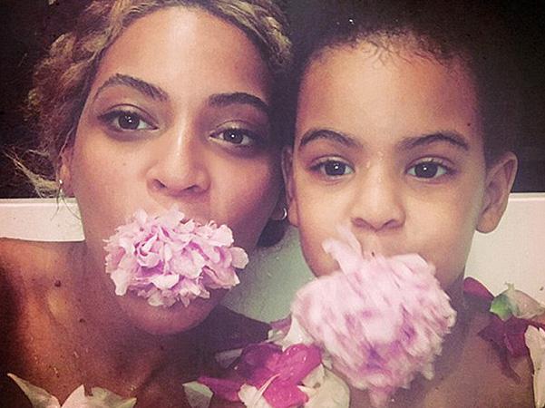 Бейонсе показала надзвичайно миле селфі із донькою  - фото 1