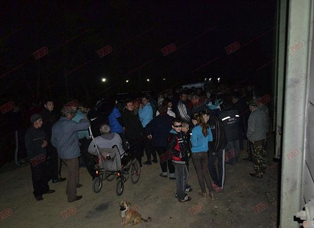 Жителі протестують проти створення під їхніми будинками майданчика для перевантаження руди - фото 1